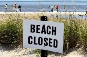 beach closed (400x266)