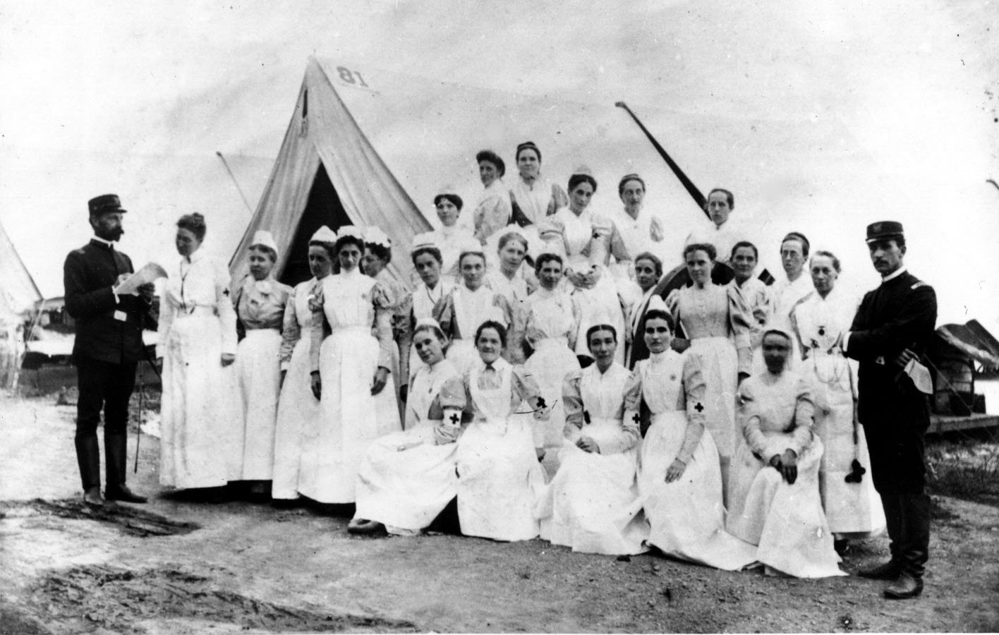 nursing during civil war essay Some famous women from the civil war include rose greenhow, a spy, clara  barton, a nurse, and harriet tubman some women helped with the war effort.